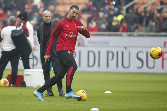 Delantero de Mainz: Ibrahimovic es mi ídolo, solo superado por Ronaldo y Messi.